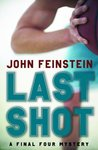 Last Shot: A Final Four Mystery (The Sports Beat, #1)