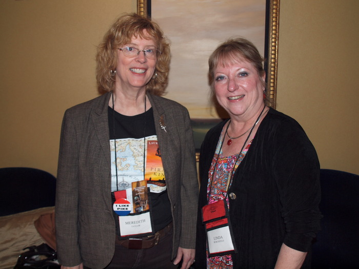 Meredith and Linda B at Bouchercon 2011.