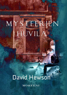 Title: Mysteerien huvila (The Villa of Mysteries). Author: David Hewson. A picture of a stone carvings on a wall and a helmed man dressed in black riding a scooter towards the reader.